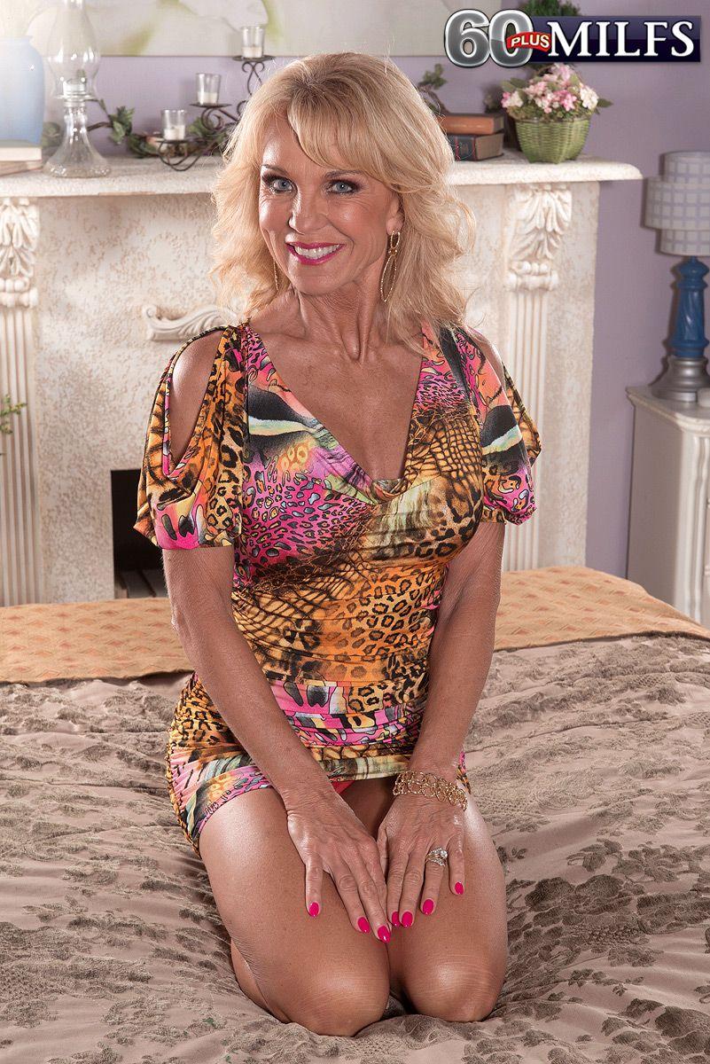 blonde milf over sixty cara reid having big tits and nipples licked