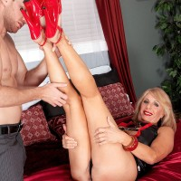 Hot blonde granny Phoenix Skye dominates younger man and sucks big cock too