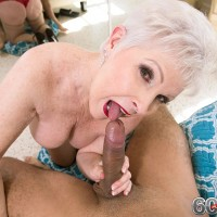 Sexy granny pornstar Jewel posing in pantyhose before giving blowjob