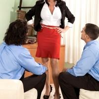 Over 60 MILF pornstar Rita Daniels stars in MMF threesome sex scene
