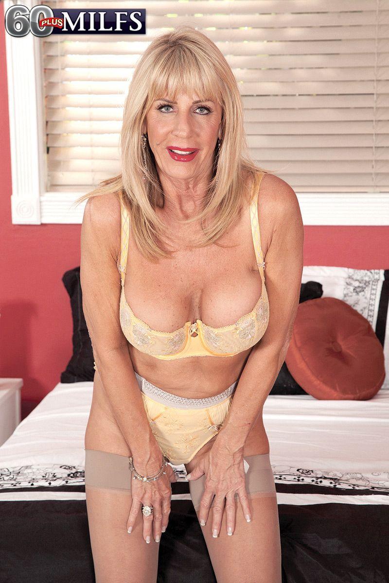 Have hit garter milf in skinny blonde excellent message