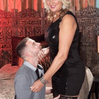 Over 50 MILF Dallas Matthews sits on a younger guy's face after seducing him