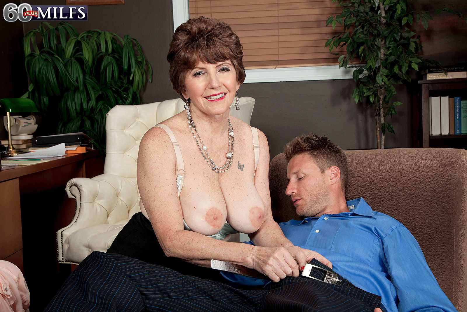60 Plus MILF Bea Cummins Gets Her Booty Filled With dick