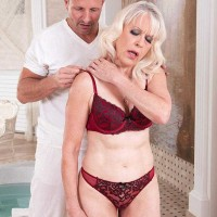 Beautiful grandmother Gal S blows her masseur after rubdown and losing her bra
