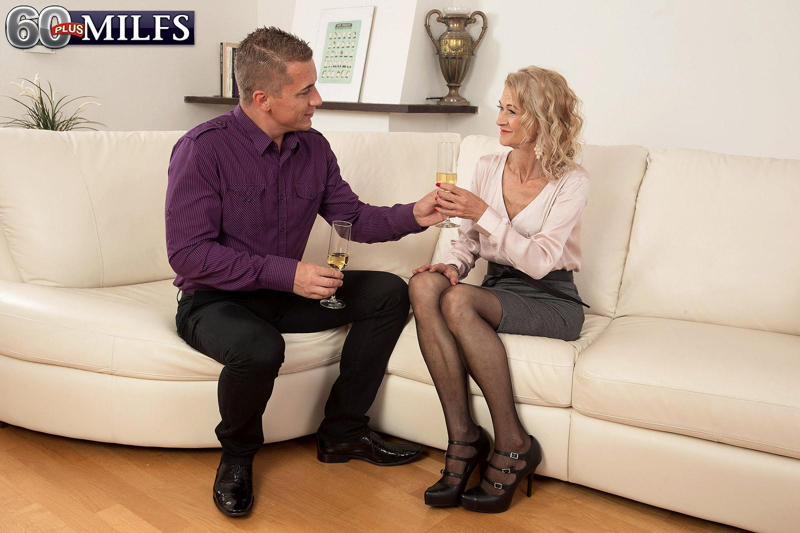 Killer elder gal Beata gives a ball tonguing oral pleasure after seducing a junior guy