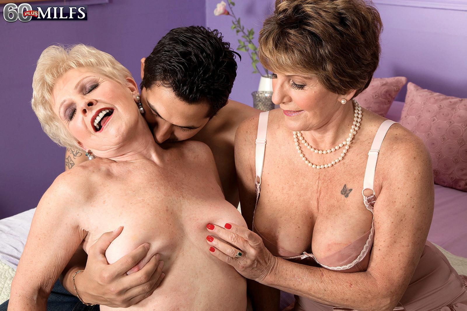 Naughty grannys Bea Cummins and Jewel tongue smooch and give big wood dual oral jobs