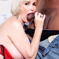 Granny Pornstar Lola Lee