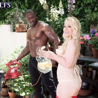 Hot older woman Robin Pachino seduces a younger black stud in her lingerie