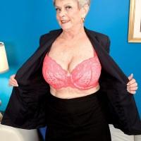 Granny Pornstar Lin Boyde