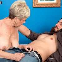 Short haired grannie Lin Boyde revealing massive titties before giving hj and BLOWJOB