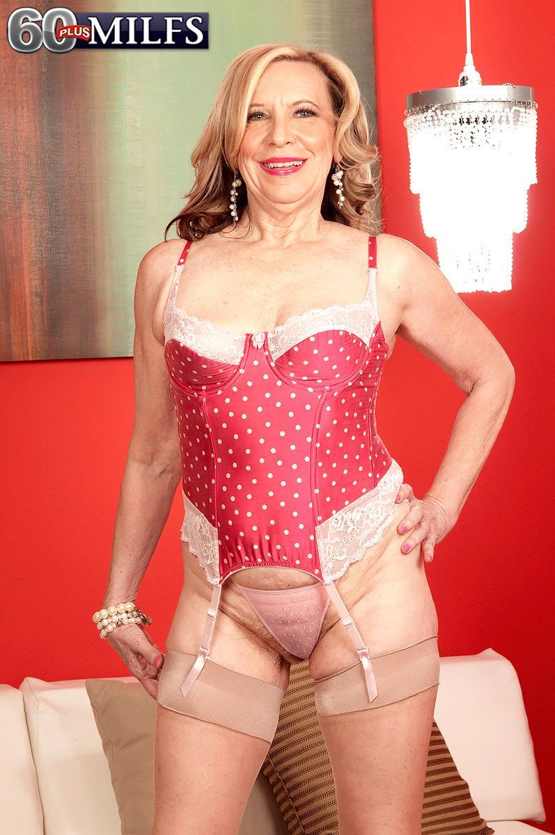 Stocking and high heel adorned MILF over sixty Miranda Torri having hard-core interracial sex